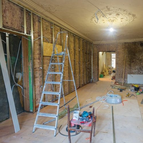 The Process of Installing Metal Frames for Plasterboard.
